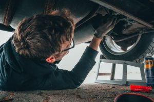 Curățare salopete service auto și ateliere mecanice
